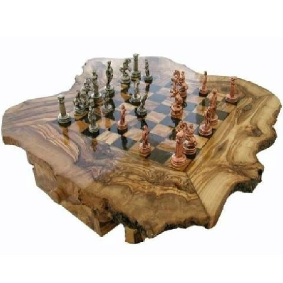 Chess set in olive wood